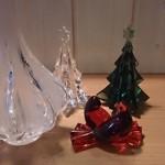品川区豊町のお客様よりバカラのクリスマスツリー、鳩、ラリックの花瓶などをお譲り頂きました。