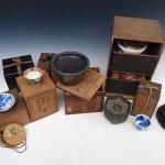 多摩市桜ケ丘のお客様より古い煎茶器、掛け軸などの骨董品や茶箪笥を買い取りさせて頂きました。