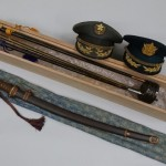 多摩市関戸のお客様より買取させて頂きました軍刀や自衛隊制帽、指揮棒など。