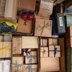 多摩市乞田にて買取りさせて頂きました茶道具、堆朱の花瓶、硯、掛け軸など。