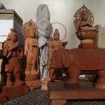稲城市矢野口にて木彫りの仏像、観音像、彫刻刀、鑿などをお売り頂きました。