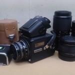 東京都国立市のお客様よりお売り頂いた古いカメラ(ハッセルブラッド500C/M、カールツァイスレンズ)などです。
