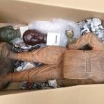 大田区久が原にてブロンズ像(舟越保武)、木彫り彫刻(小川由加里)、中国の鍍金仏像などを出張買取させて頂きました。