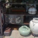 東京都大田区にて紫檀家具や花梨の家具(棚、椅子、座卓)などを買い取り致しました。