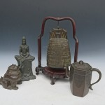 渋谷区上原にて買取りさせて頂いた銅製の観音像や獅子香炉、釣鐘などです。