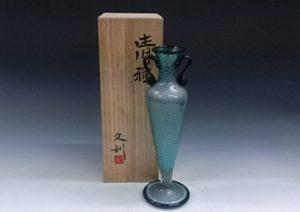 岩田久利 ガラス花瓶